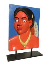 Ravinder REDDY - Scultura Volume - Portrait with golden necklace (version I)