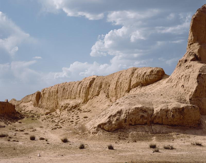 Yan MORVAN - Photography - Muraille de la dynastie Han, 1er siècle av. J.-C.,...