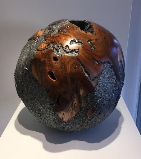 Bruno HELGEN - Skulptur Volumen - Globe Ø30cm Mica Noir