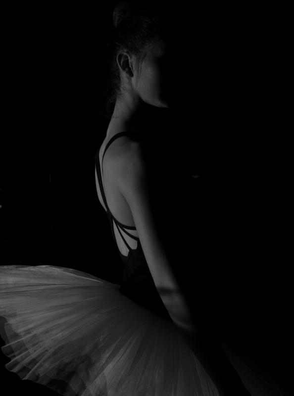 Hartmut DE MAERTELAERE - Photography - Ballerina    (Cat N° 6492)