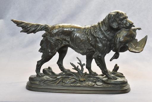 Édouard Paul DELABRIERRE - Skulptur Volumen - Chien de chasse tenant dans sa gueule un canard