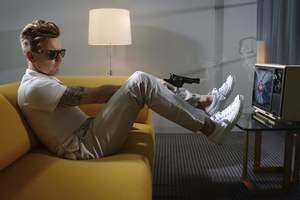 Lorenzo AGIUS - Photography - Ewan with gun