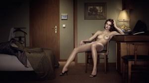 Erwin OLAF, hotel room 607