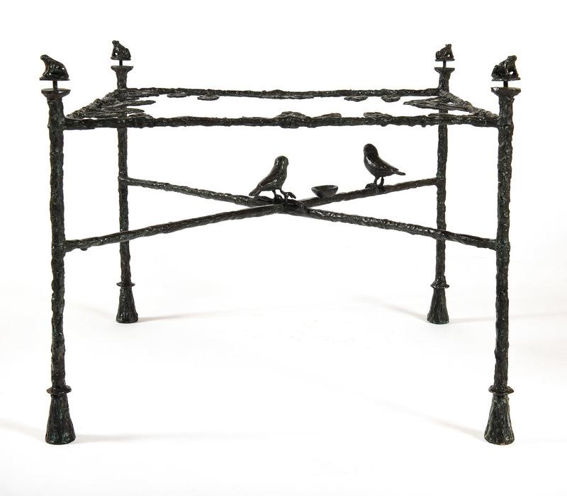 Diego GIACOMETTI - Escultura - Table-feuilles, modèle bas aux grenouilles et oiseaux
