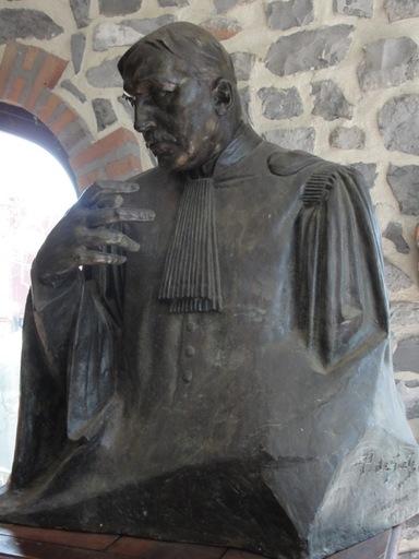 Pierre DE SOETE - Sculpture-Volume - Buste de l'avocat Jules Destrée