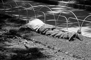Robbert Frank HAGENS - Photography - Resting in the Park - Mexico 1977