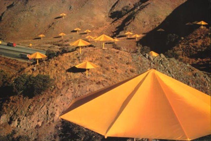 CHRISTO - Photo - The Umbrellas