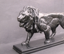Antoine Louis BARYE - Sculpture-Volume - Lion marchant