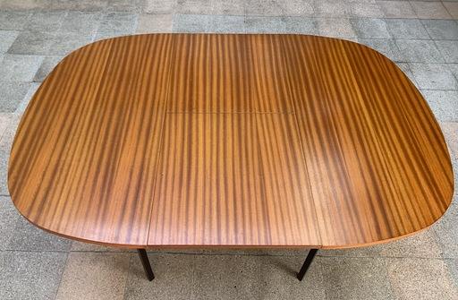 Pierre GUARICHE - Table de salle à manger à système TRC20- Pierre Guariche