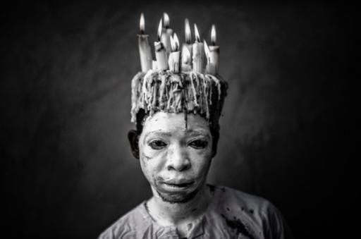 Mario MACILAU - Photography - A Candle Man