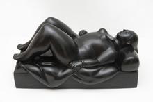 费尔南度‧波特罗 - 雕塑 - Woman on a Bed
