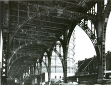 Berenice ABBOTT - Fotografia - Under Riverside Drive Viaduct (145th Street and 12th Avenue)