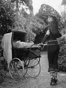 Lorenzo AGIUS - Photography - Helena and the Piglet