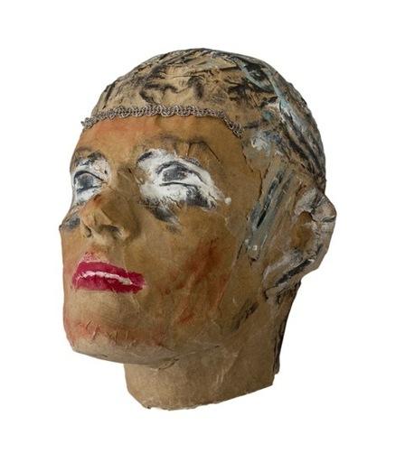 Suzanne LARRIEU - Escultura - portrait de femme en carton
