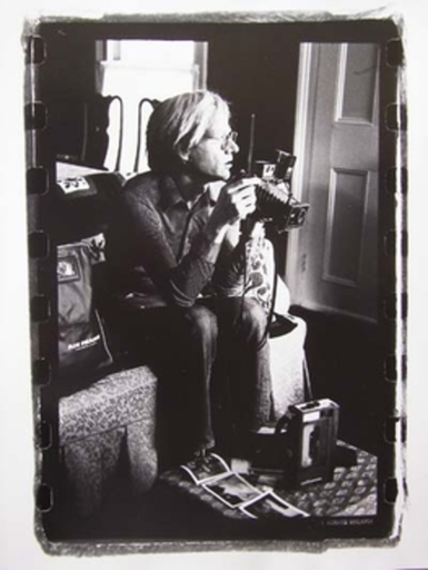 Gérard MALANGA - Fotografia - Andy Warhol with his media toys