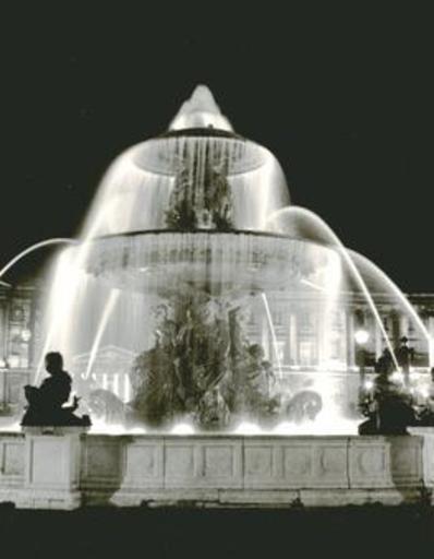Jacques RITZ - Photo - (Fountain in Paris)