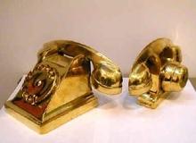 阿尔曼 - 雕塑 - Téléphones