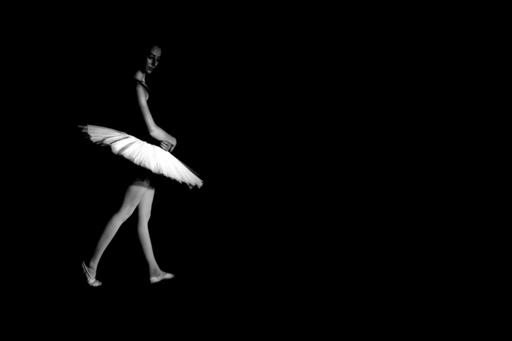 Hartmut DE MAERTELAERE - Photography - Ballerina    (Cat N° 6493)