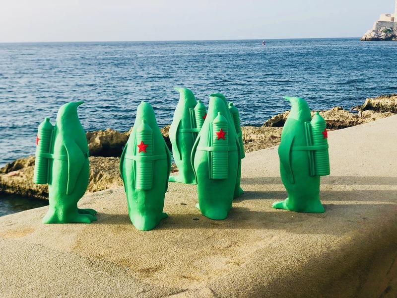 William SWEETLOVE - Sculpture-Volume - Cuban Cloned Penguin