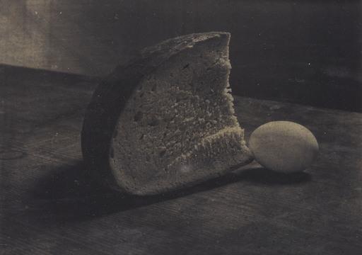 Josef SUDEK - 照片 - Stil-life with Bread and Egg