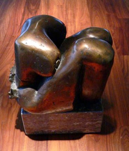 Livia CANESTRARO - Sculpture-Volume - sitting lady