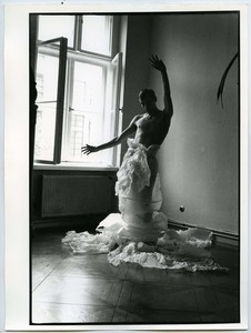 ELIZERMAN - Photography - Costume en papier I