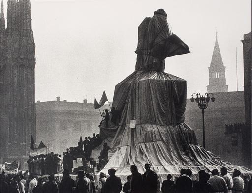 CHRISTO - Grabado - Wrapped Monument to Vittorio Emanuele, Project for Piazza de