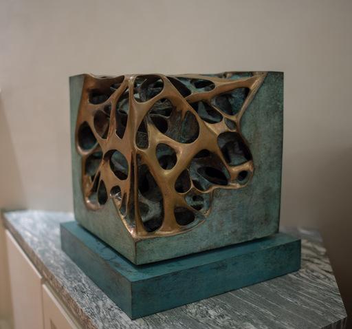 Gianfranco MEGGIATO - Sculpture-Volume - cubo tensione  patinato