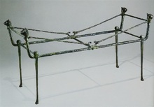 Diego GIACOMETTI - Sculpture-Volume - Table berceau, modèle aux chats