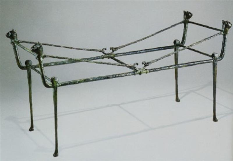 Diego GIACOMETTI - Escultura - Table berceau, modèle aux chats