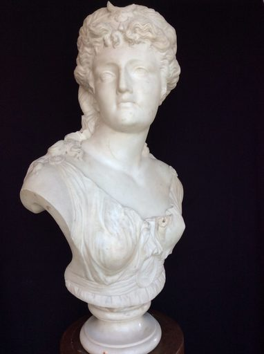 Jean-Baptiste CLÉSINGER - Escultura - White marble sculpture depicting Diana by Jean Baptiste Cles