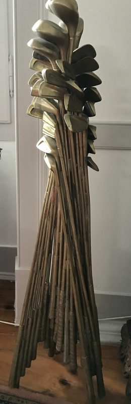 Fernandez ARMAN - Escultura - Tacos de Golf soldados entre si