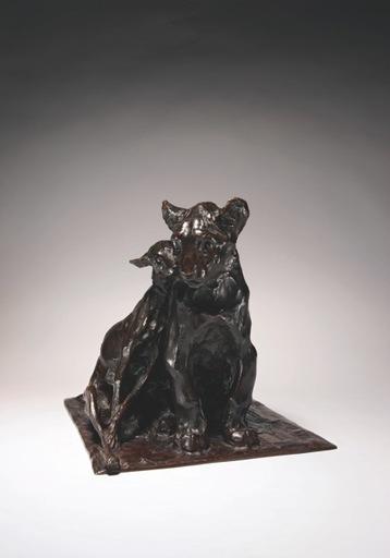 Rembrandt BUGATTI - Sculpture-Volume - Lionceau et lévrier assis l'un contre l'autre