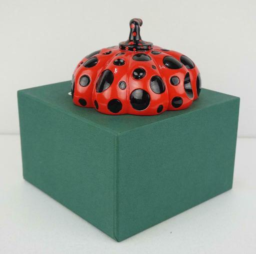 Yayoi KUSAMA - Sculpture-Volume - Red Pumpkin. Naoshima