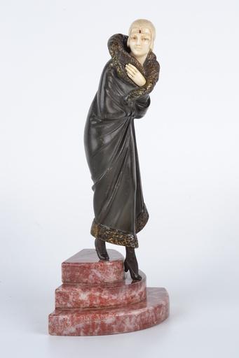 Dimitri CHIPARUS - Sculpture-Volume - Leaving the Opera