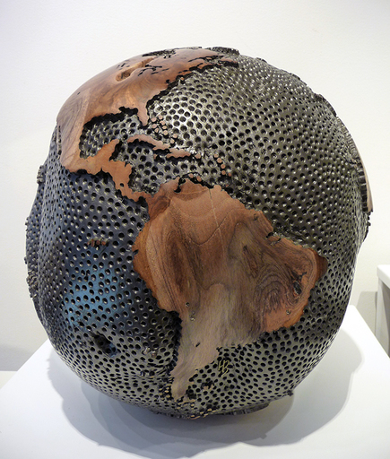 Bruno HELGEN - Sculpture-Volume - Globe Ø30cm 1000 holes graphite