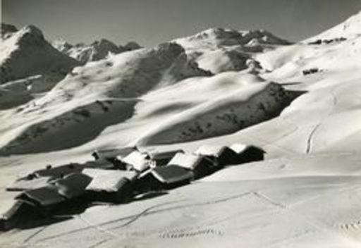 Andreas PEDRETT - Photo - kleines Dorf mit Schnee