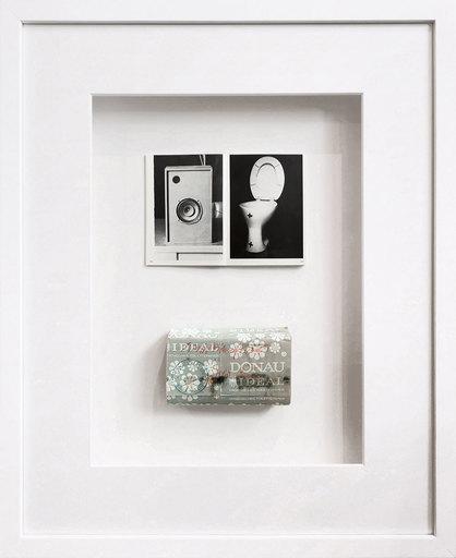 "Joseph BEUYS - Escultura - Sozialistisches Toilettenpapier ""Donau Ideal"""