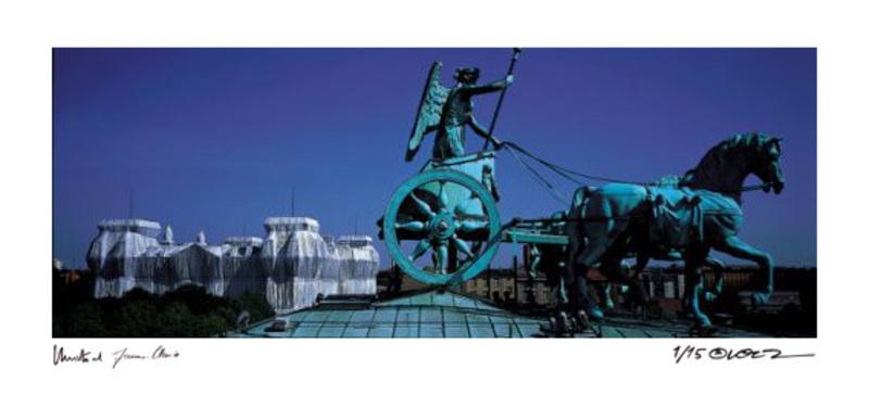 CHRISTO - Photography - Reichstag Quadriga