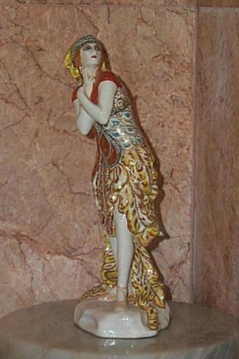 "Léon BAKST - Cerámica - Porcelain figure of Karsavina in ""Fire-Bird""."