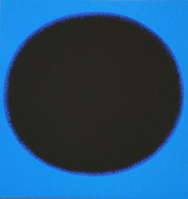 Rupprecht GEIGER - 版画 - Schwarzer Kreis auf Blau