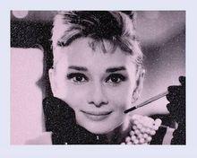 Russell YOUNG - Grabado - Audrey Hepburn