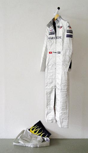 Sylvie FLEURY - Skulptur Volumen - Formula One Dress
