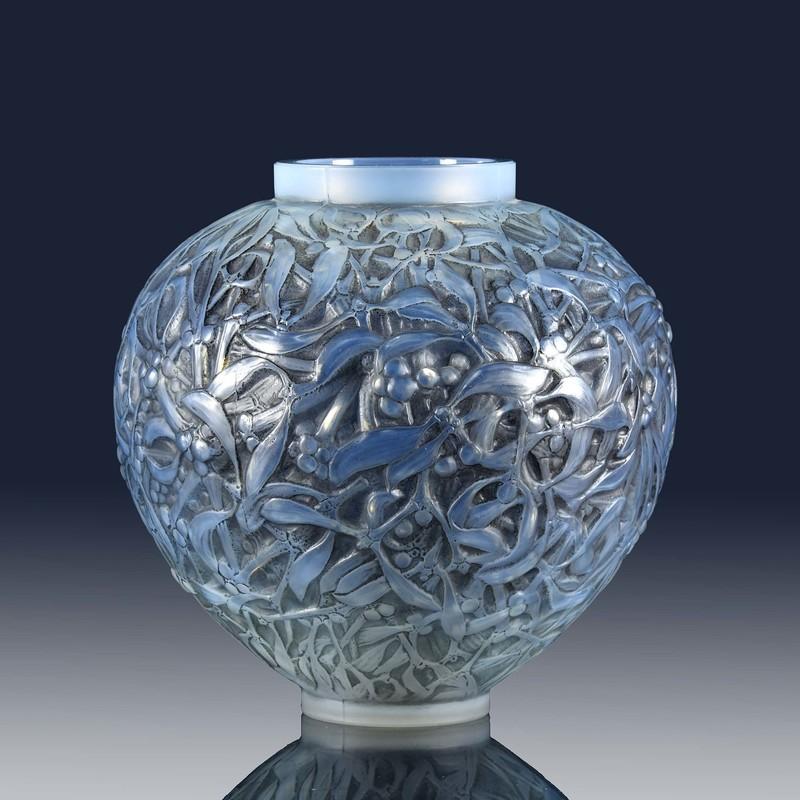 René LALIQUE - Grey Gui Vase
