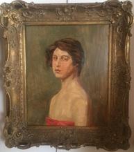 Wilhelm TRÜBNER - Pintura - Mädchen mit roter Draperie