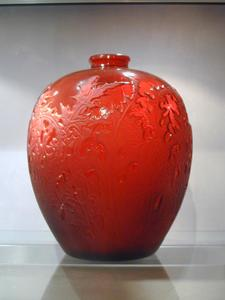 René LALIQUE, Vase Acanthes rouge
