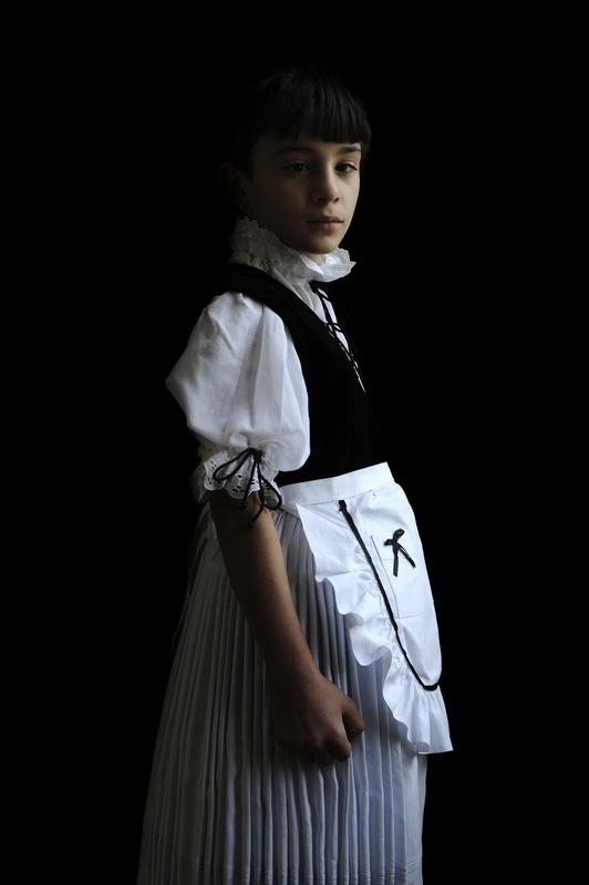 Iwajla KLINKE - Fotografia - o.T. (Serie: Kirchweih, Romania)