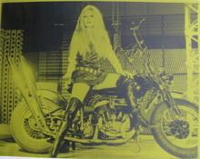 Russell YOUNG - Pintura - *Brigitte Bardot green