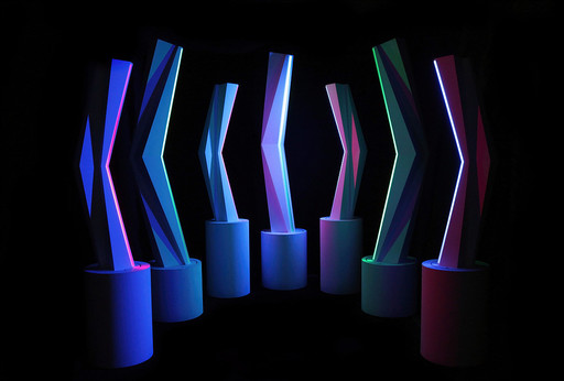 Fabrice AINAUT - Scultura Volume - 7 éléments luminosité-cinétique programmée