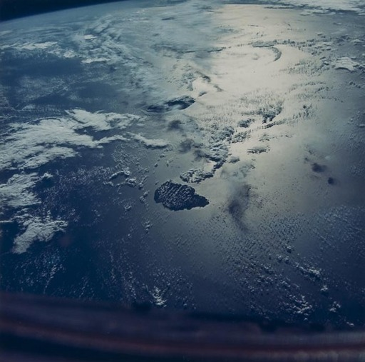N.A.S.A. - Photography - Sun reflections over the Indian Ocean, Gemini 6